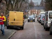 Smalle straten met veel auto's hinderen hulpverleners in Dodewaard