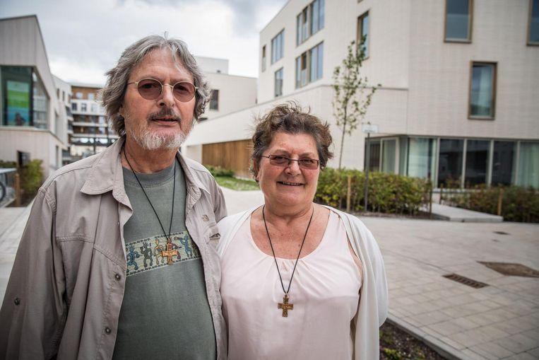 Fons Van Wielendaele en Chrisje Vandewalle lieten hun huis over aan hun kinderen en wonen nu samen met de paters.