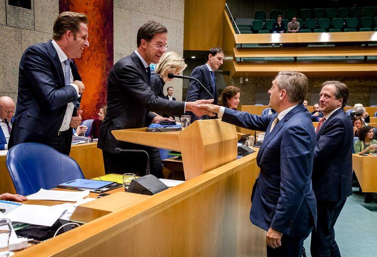 Sybrand van Haersma Buma (CDA) en Alexander Pechtold (D66) en minister-president Mark Rutte, een goed op elkaar ingespeeld trio.  Beeld ANP