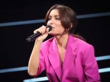 Pourquoi le serre-tête de Jenifer dans The Voice crée le débat