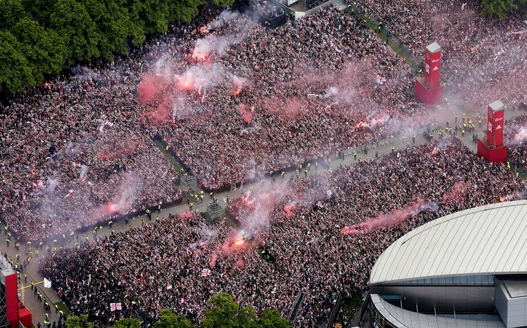 Luchtfoto van de huldiging op het Museumplein Beeld ANP