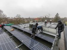 Zonnepanelen plaatsen op daken: 'Voorkom wildgroei op platteland'