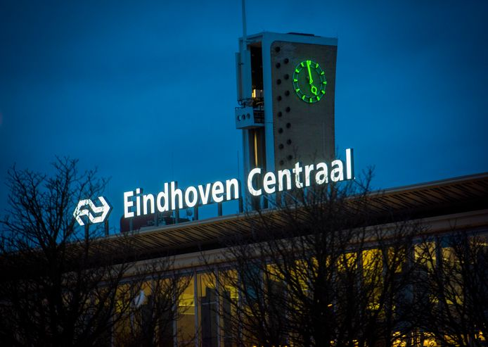 EINDHOVEN - Onthulling nieuwe naam NS Station Eindhoven: Eindhoven Centraal