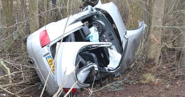 Drie zwaargewonden bij ongeval op N332 tussen Holten en Laren.