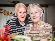 Ellie en Jan uit Almelo zijn al zestig jaar samen gelukkig in De Riet
