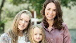 """Stephanie Planckaert blikt terug op tienerzwangerschap: """"Het was ongepland, maar Iluna was enorm gewénst"""""""