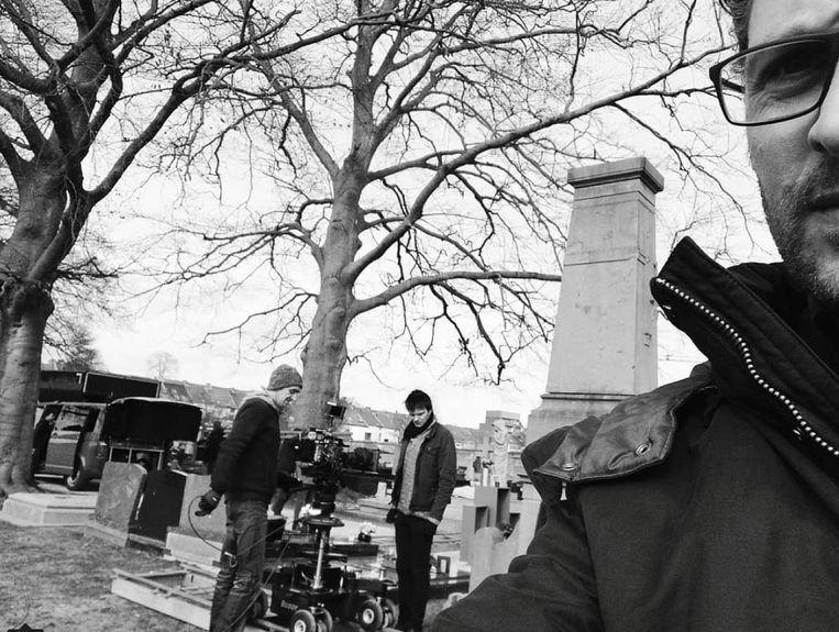 Christophe Haddad als Bob op de set van 'Thuis'.
