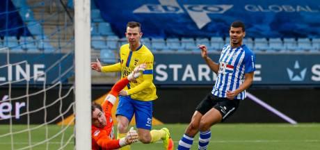 Koploper Cambuur legt tiental FC Eindhoven voor rust over de knie