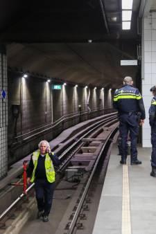 Zwartrijder vlucht tunnel in en legt metroverkeer stil