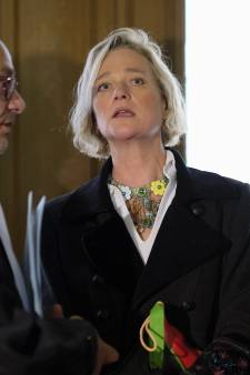 """Delphine Boël n'a jamais eu l'intention de """"faire souffrir le roi Albert II"""""""