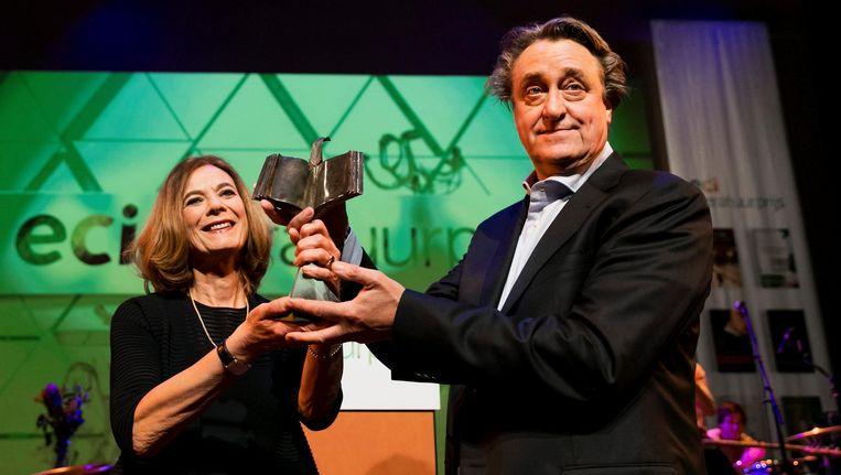 Schrijver Martin Michael Driessen wint de ECI Literatuurprijs 2016 met het boek Rivieren. Beeld anp