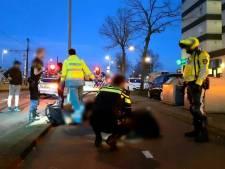 Twee mannen flink gewond na uitglijder met snorfiets in Rotterdam-Delfshaven