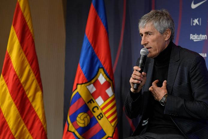 Quique Sétien bij zijn presentatie in Barcelona.