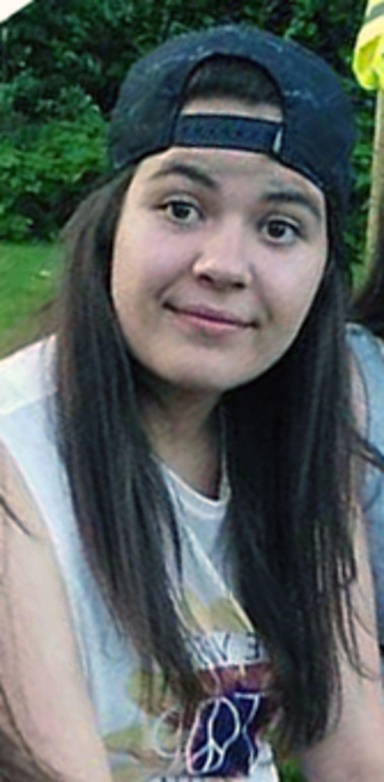 Shanty Houthuys (17) kwam om toen de wagen waarin zij als passagier meereed op een geparkeerde truck op de E314 botste.