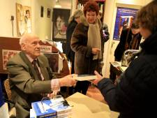 Veel belangstelling voor signeersessie Jan Timmer