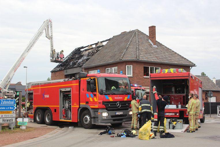 Brandweerpost Maasmechelen was nog tot dinsdagmorgen in de weer met nablussen