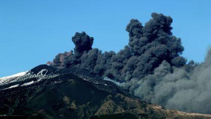 Etna roept, Stromboli antwoordt: twee Siciliaanse vulkanen barsten op zelfde moment uit