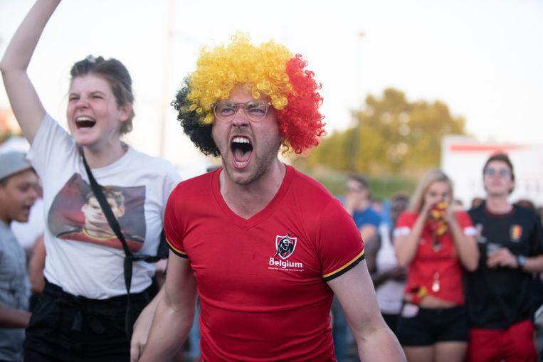 Een Rode Duivel-fan in Oudenaarde schreeuwt het uit.