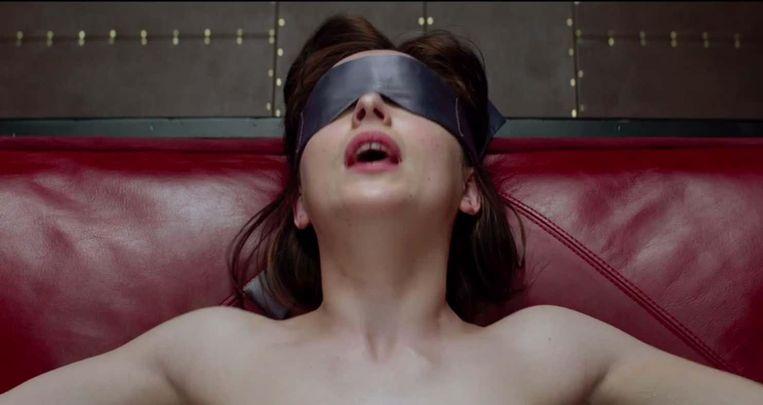 De brandweer vreest dat de film veel mensen ertoe zal aanzetten te experimenteren met handboeien en ander SM-tuig, wat al eens tot seksincidenten kan leiden.