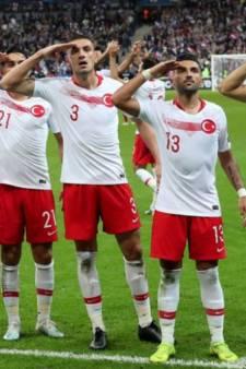 Les joueurs turcs ont refait le salut militaire polémique après leur but face à la France