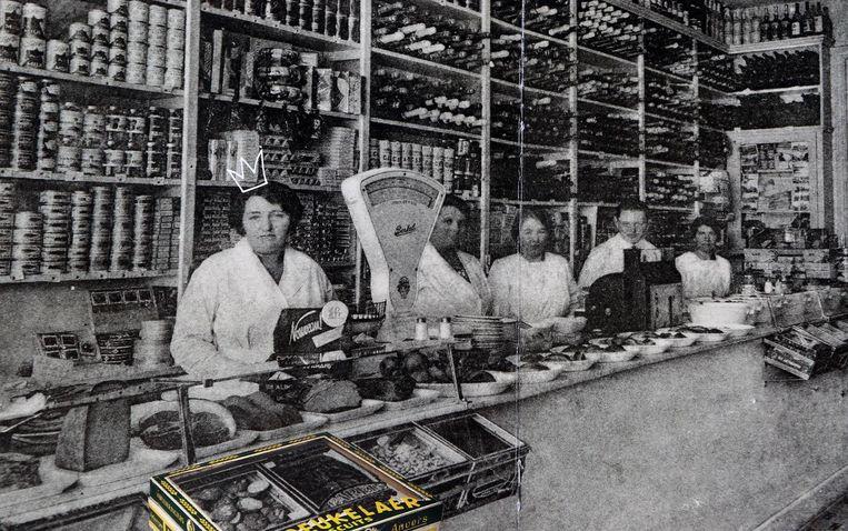 In deze winkel in de Statiestraat in Antwerpen werden al in 1930 Princekoeken verkocht, toen nog uit grote bakken en op gewicht.