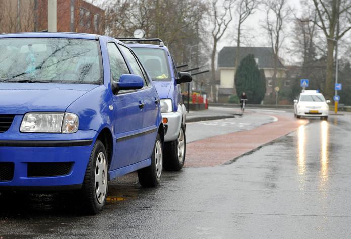 Wethouder Arjen Maathuis wil op verzoek van de fietsersbond inzichtelijk maken hoeveel geld er in de begroting beschikbaar is voor het onderhoud van fietspaden in Almelo.