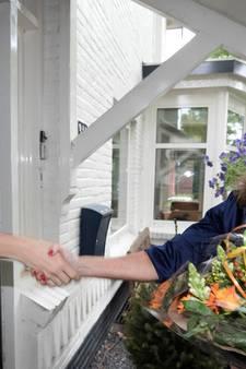 Spoorwegheld Youri (15) krijgt bedankje voor redden bejaarde vrouw