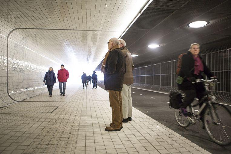 De fietstunnel onder Amsterdam Centraal Station. Beeld Julius Schrank
