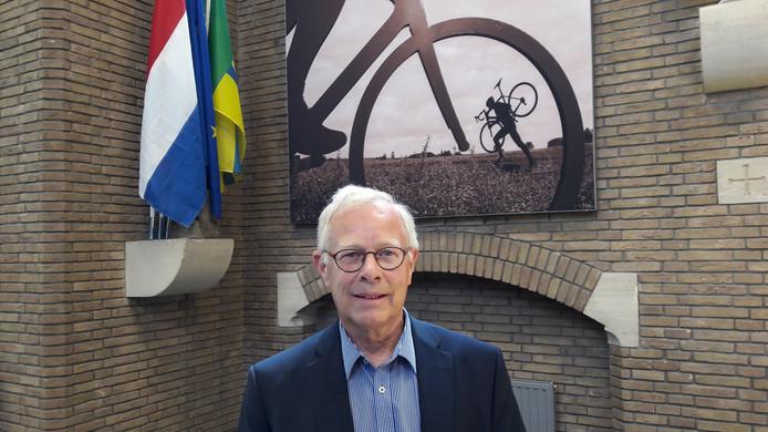 Wethouder financiën Henk Kielman van de gemeente Woensdrecht had donderdagavond geen beste boodschap voor de gemeenteraad. Door stijgende (zorg)kosten en tegenvallende inkomsten gaat Woensdrecht over 2019 uitkomen op een tekort van 1,5 à 2 miljoen euro.