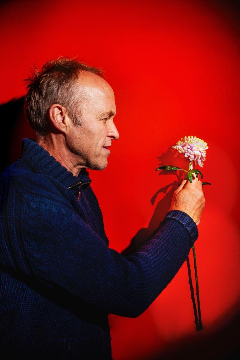Stef Bos is terug, en wel met een gloednieuw album en een nieuwe show. Beeld Inge Kinnet