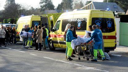 """Zwaargewonde tieners met ambulance naar wake voor overleden vriendinnen: """"Wij verwijten niemand iets"""""""