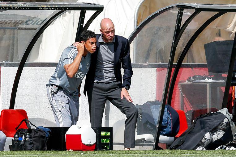 Michael Reiziger is sinds dit seizoen assistent van Erik ten Hag. 'Voor een club is het belangrijk een speler zich snel thuis te laten voelen.' Beeld Dennis Wielders / ProShots