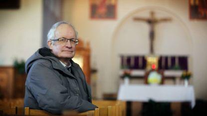 """Pastoor Fernand Marechel reageert aangeslagen op nieuws van 39 lijken: """"Ook in Zeebrugge zijn transmigranten bereid die risico's te nemen"""""""