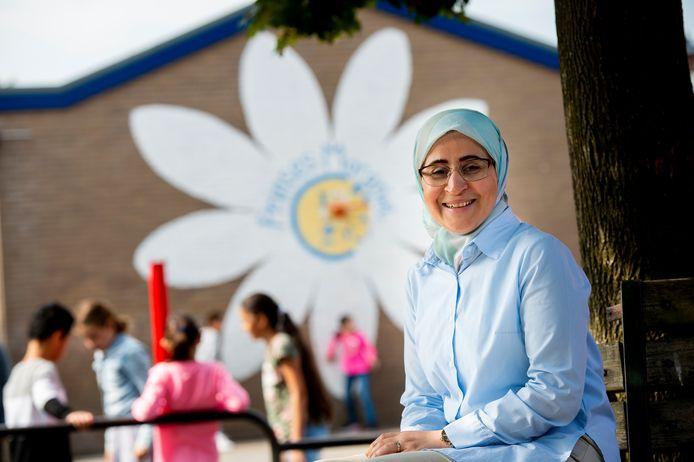 Ghofran Bako Chikhani is een van de vrouwen uit Syrië die binnenkort opgaan voor een baan in de zorg. Ze wil graag volop meedoen in de maatschappij: de afgelopen tijd deed ze al vrijwilligerswerk op een basisschool.