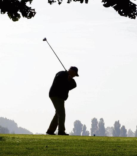 Ruzie op de golfbaan: man bijt golfer stuk van zijn duim af
