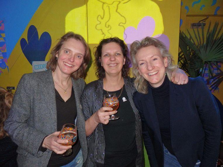 Dorien de Bruijn, Corine 'Mevrouw Happy Bach Day' Haitjema en Marike Schols, van Happy Bach Day. Haitjema: 'Ik mag ook Mevrouw Happy zeggen' Beeld Schuim