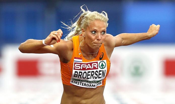 Nadine Broersen vrijdag op de 100 meter horden tijdens EK in Amsterdam