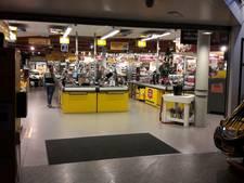 Vier supers open, weinig klanten