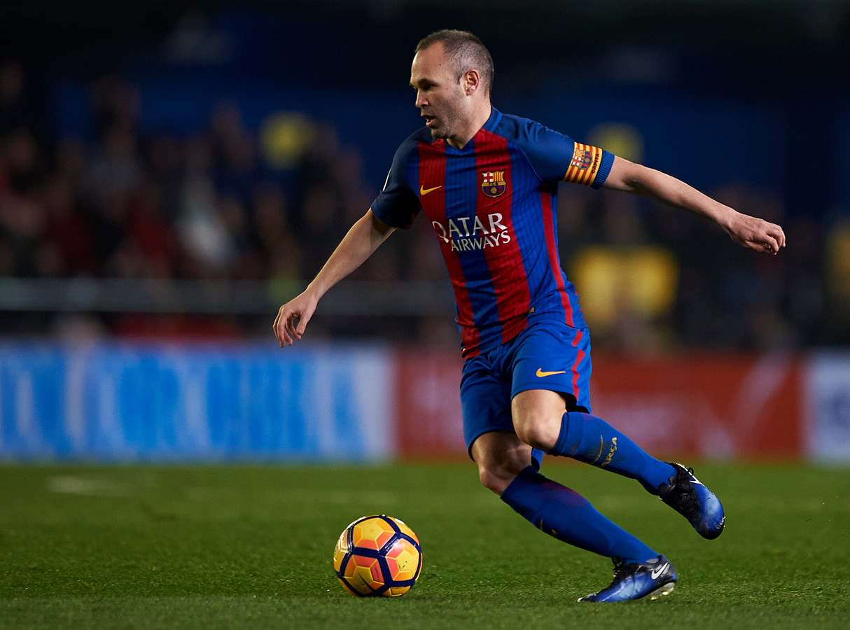 Barcelona Fc Foto >> Iniesta zwaait Van Gaal uit: Gracias Mister | Foto | AD.nl