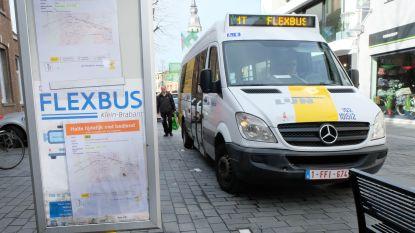 """Flexbus rijdt vanaf maandag weer door Klein-Brabant: """"Maximum 3 reizigers met mondmasker per rit"""""""