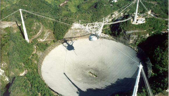 De Arecibo-telescoop in Puerto Rico.