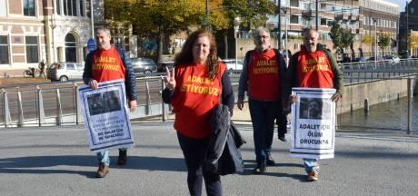 Günnay Akkaya uit Etten-Leur loopt protestmars voor dochters die vastzitten in Turkije