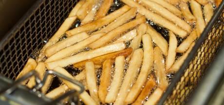 Uniek in de Berghemse Piekenhoef: een eigen frietkraam voor één middag