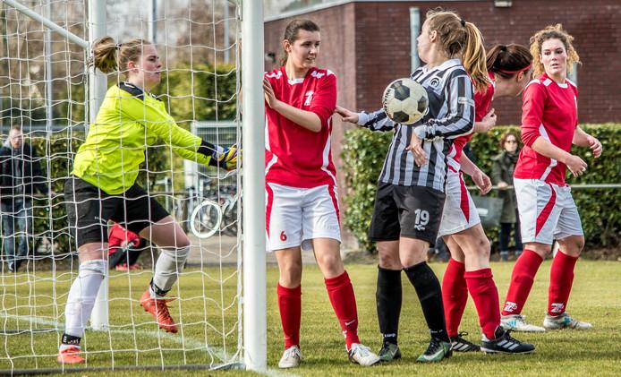 Voetbalwedstrijd 't Zand-Achilles Reek.