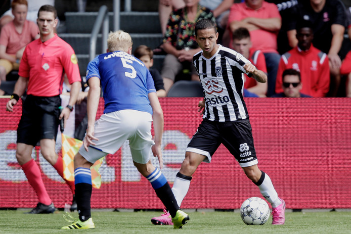 Mauro Junior of Heracles Almelo during Heracles Almelo - SC Heerenveen NETHERLANDS, BELGIUM, LUXEMBURG ONLY COPYRIGHT BSR/SOCCRATES