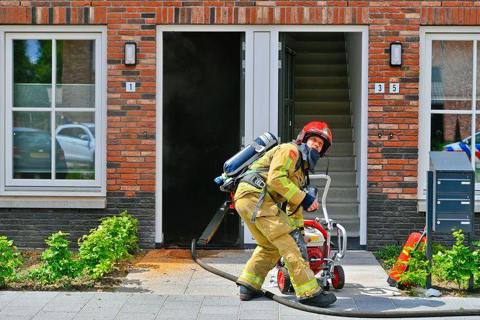 Woningbrand in Waalre zet hele begane grond blank.
