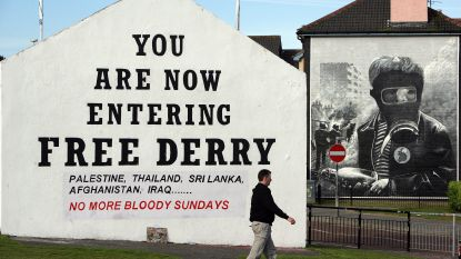 Schoten afgevuurd en brandbommen gegooid in Noord-Ierland
