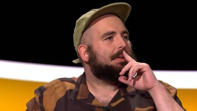"""Hilariteit in de studio na bekentenis Bockie: """"Ik heb ooit in een combi geplast"""""""