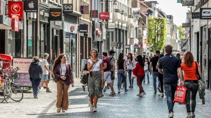 """Afgaande op Nederland hoeven we geen stormloop te verwachten: """"Winkels open, maar veel volk komt er niet, hoor"""""""