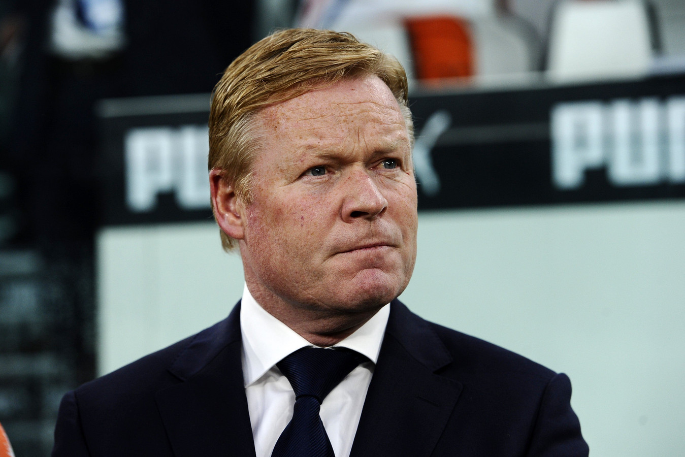 ronald koeman with 124852117 on Liverpool Forward Sadio Mane Reveals Why He Rejected Manchester United 1586730 further Nederlands Elftal also Jordan Pickford Everton Sunderland David Moyes Transfer News Rumours Gossip in addition Liverpool Fc Goalkeeper Simon Mignolet 9502271 further Moussa Sissoko Tottenham Reject Everton Transfer Premier League Newcastle.